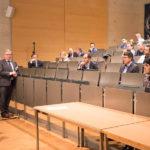 Professor Dr. Hubertus Nentwig (ehem. Leiter der zahnärztlichen Chirurgie der Universität Frankfurt und Erfinder des Ankylos-Implantats) und Dr. Marco Schwan MSc.